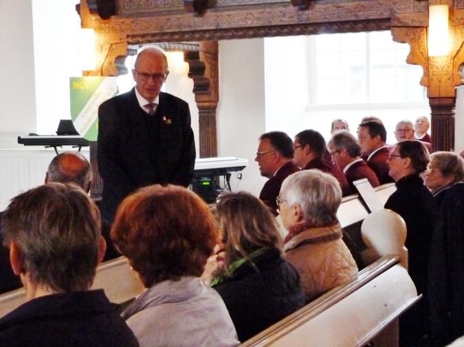 Moderator Kurt Meyerholz beim Jubiläum